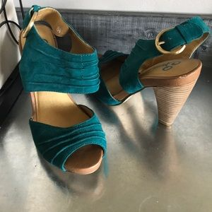 Seychelles Turquoise Teal Ankle Strap heels